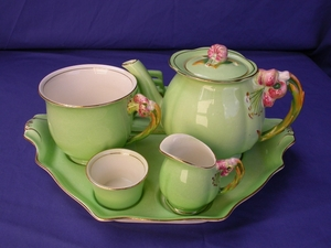 Royal Winton Green Tiger Lily Breakfast Set