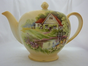 Royal Winton Fawn Red Roof Teapot