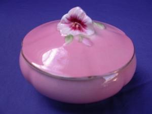 Royal Winton Pink Petunia Powder Bowl