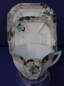 Shelley Green Damsons (11833) Cup/Saucer/Plate