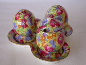 Royal Winton Royalty Chintz Cruet Set